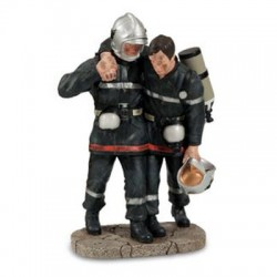 Sapeur pompier épaulant son...